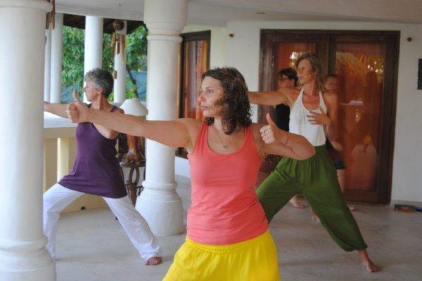 Yogaunterricht auf Bali